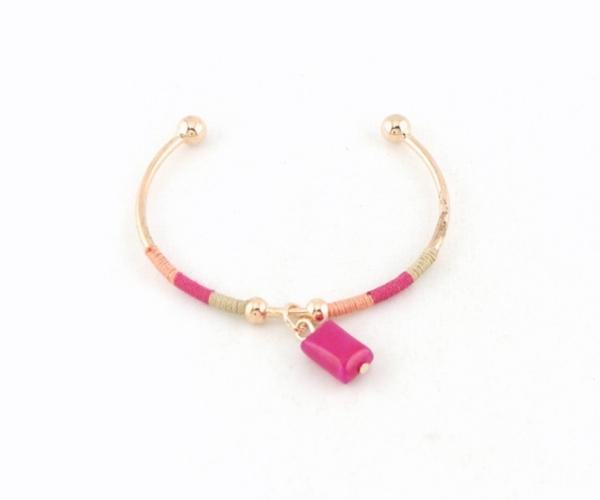 tendances couleurs hiver 2016-2017 : bracelet rose